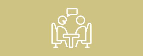 Icône de deux personne parlant sur un fond jaune pastel