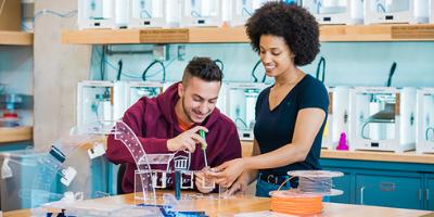 Etudiants en laboratoire